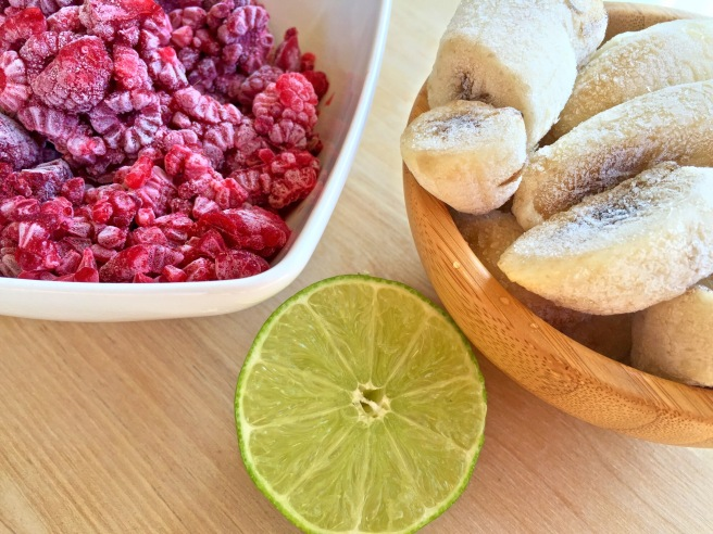 Rapberry Lime Smoothie Bowl5.jpg